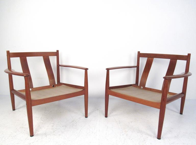 Pair Scandinavian Modern Teak Armchairs by Grete Jalk for France and Son In Good Condition For Sale In Brooklyn, NY