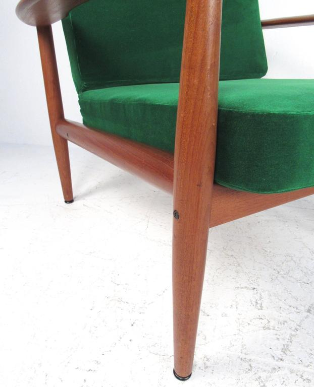 Pair Scandinavian Modern Teak Armchairs by Grete Jalk for France and Son For Sale 1