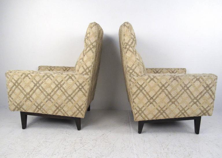 Pair of Mid-Century Edward Wormley Lounge Chairs for Dunbar In Good Condition For Sale In Brooklyn, NY