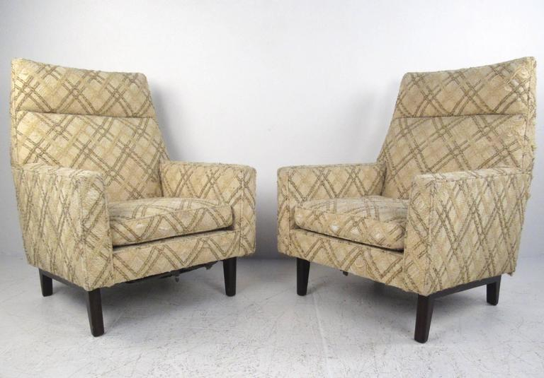 American Pair of Mid-Century Edward Wormley Lounge Chairs for Dunbar For Sale