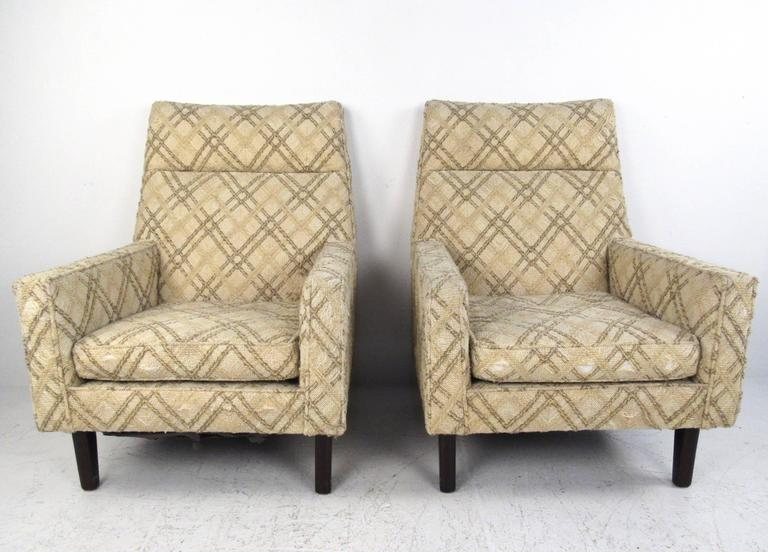 Mid-Century Modern Pair of Mid-Century Edward Wormley Lounge Chairs for Dunbar For Sale