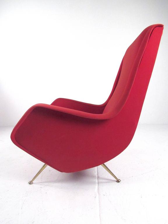 Mid-20th Century Pair of Italian Modern Sculptural Lounge Chairs For Sale