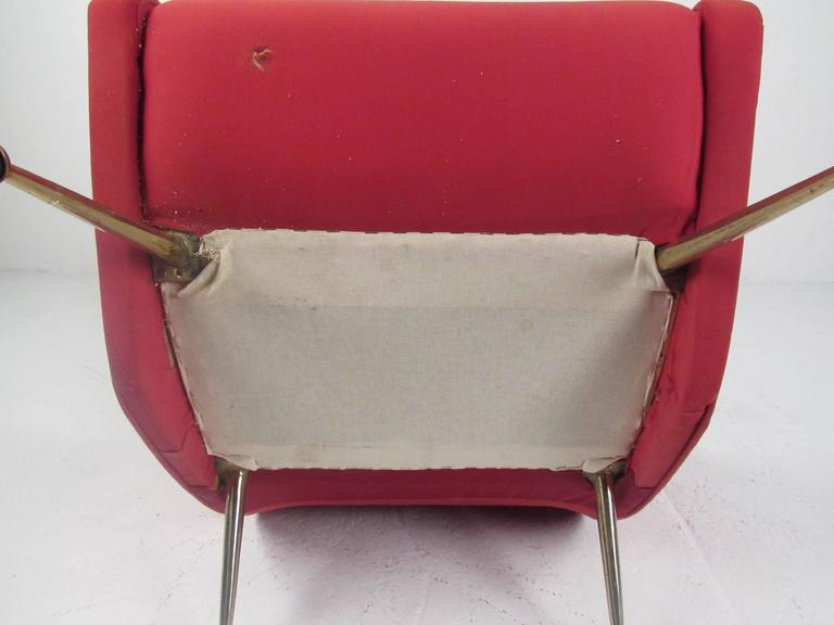 Pair of Italian Modern Sculptural Lounge Chairs For Sale 3