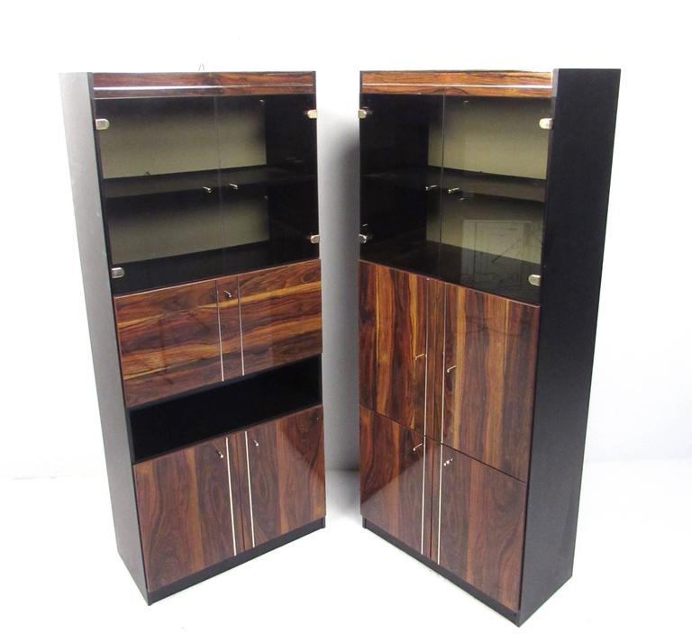 Pair of Modern Bookshelf Display Cabinets In Good Condition For Sale In Brooklyn, NY