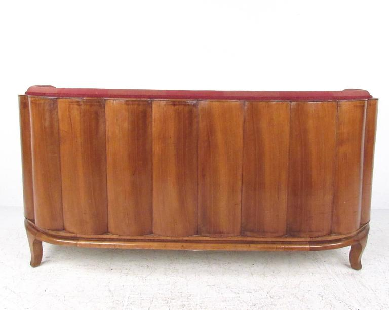 Art Deco Style Settee In Good Condition For Sale In Brooklyn, NY