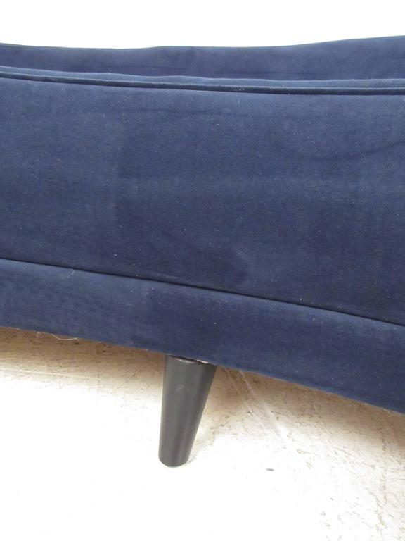 Italian Modern Sculptural Sofa in the Style of Gio Ponti For Sale 5