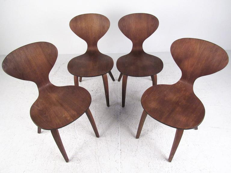 Set of Mid-Century Dining Chairs After Norman Cherner 2