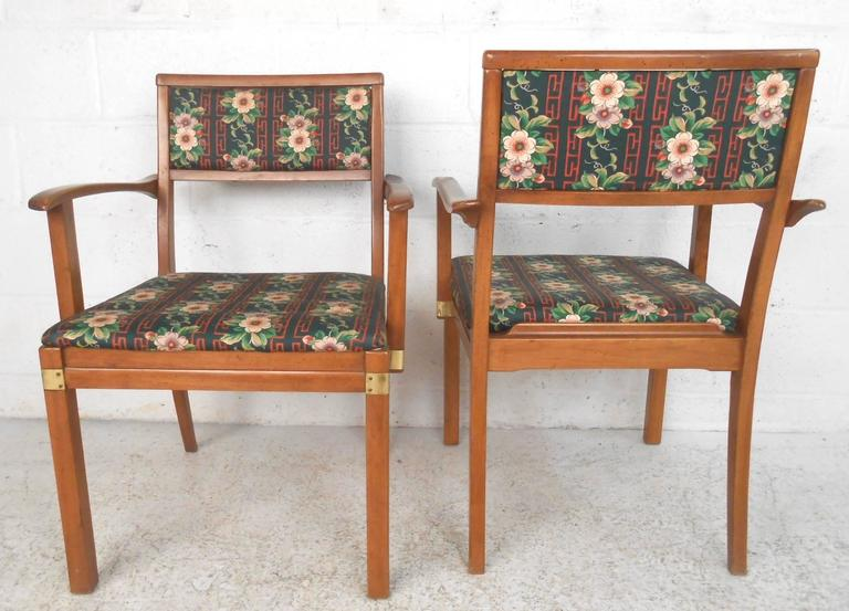 American Set of Six Mid-Century Modern Dining Chairs For Sale