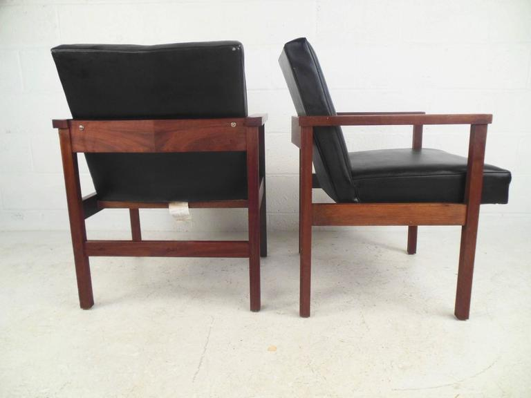 Pair Of Mid Century Modern Office Side Chairs For Sale At