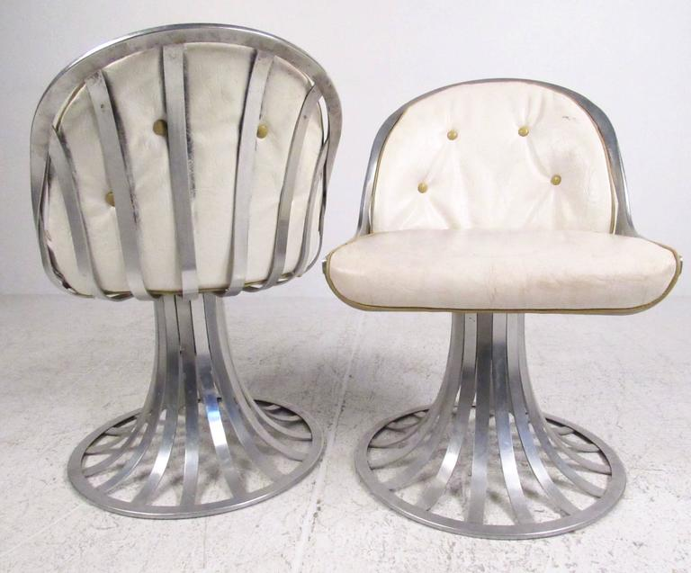 Aluminum Mid-Century Modern Russell Woodard Dining Set For Sale