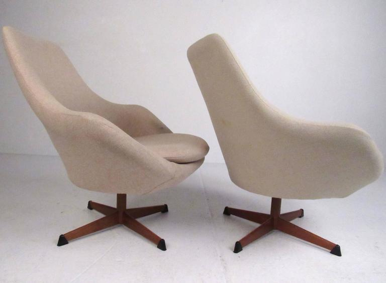 Prime Pair Of Scandinavian Modern Swivel Lounge Chairs By Dahlens Ibusinesslaw Wood Chair Design Ideas Ibusinesslaworg