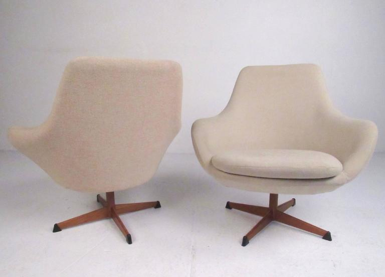 Fine Pair Of Scandinavian Modern Swivel Lounge Chairs By Dahlens Ibusinesslaw Wood Chair Design Ideas Ibusinesslaworg