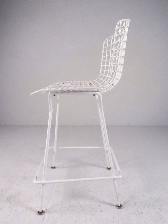 Set of Harry Bertoia Wire Bar Stools by Knoll International In Good Condition For Sale In Brooklyn, NY