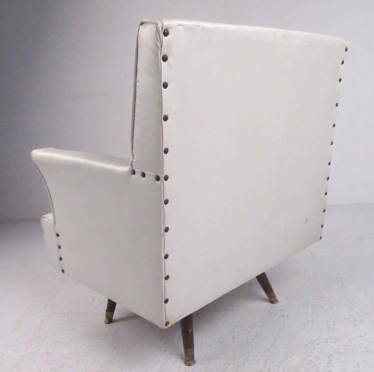 Mid-Century Modern Mid-Century Swivel Rocker Lounge Chair For Sale