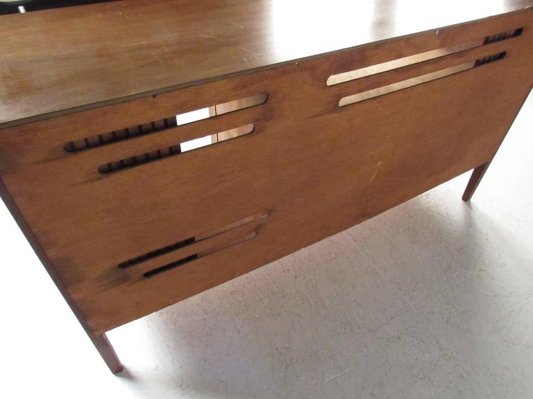 Mid-Century Modern Tambour Credenza For Sale 2