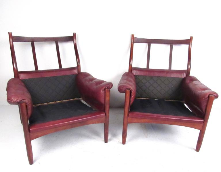 Pair Danish Leather Lounge Chairs In Good Condition For Sale In Brooklyn, NY
