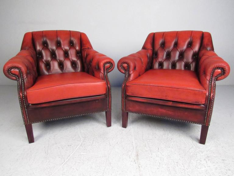 Vintage Leather Chesterfield Living Room Suite For Sale at 1stdibs