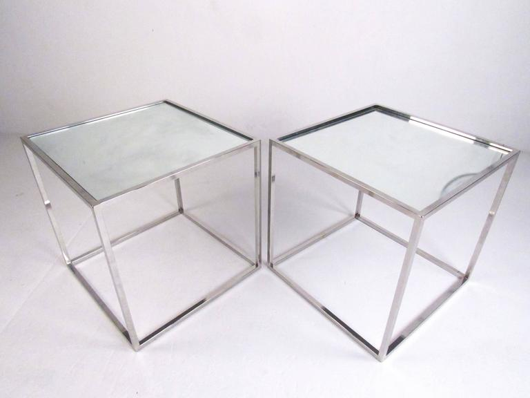 This Stylish Pair Of Cubist End Tables Feature Stylish Vintage Chrome  Construction With A Mirrored Glass