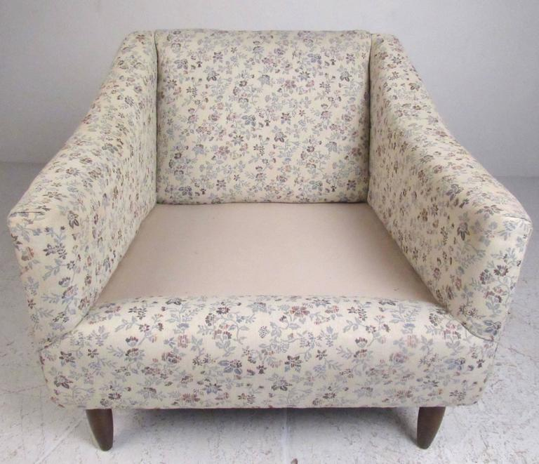 Late 20th Century Mid-Century Modern Upholstered Lounge Chairs For Sale