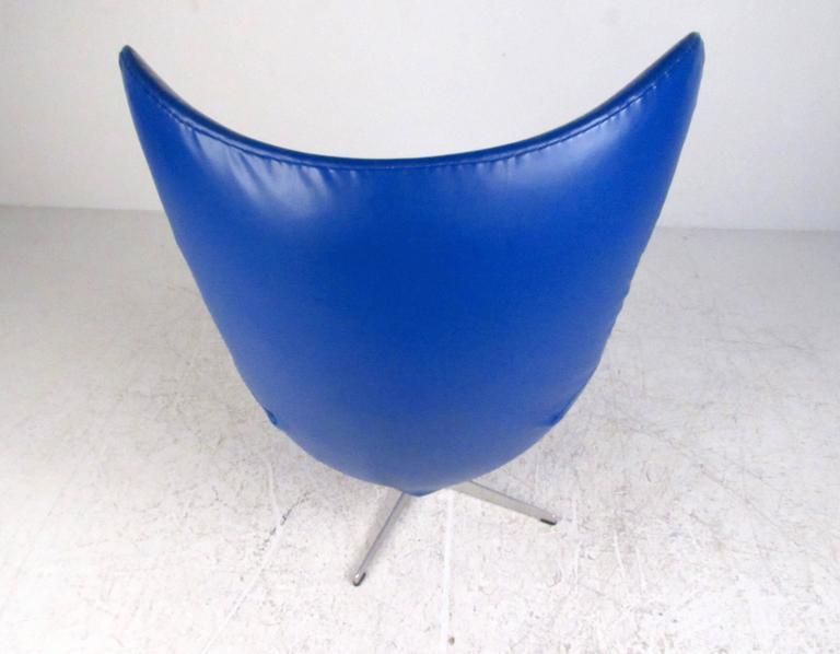Danish Arne Jacobsen Egg Chair for Fritz Hansen For Sale