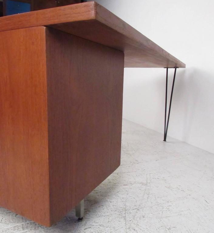 George Nelson For Herman Miller Executive Desk With Hairpin Legs In Good Condition