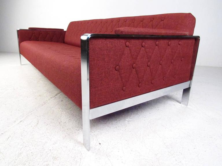 Long and Stylish Contemporary Modern Sofa In Good Condition For Sale In Brooklyn, NY