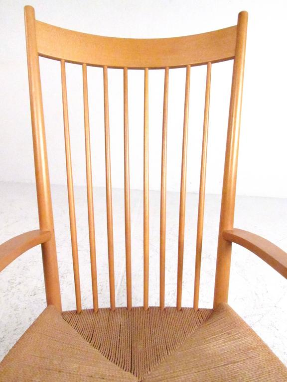 Hans Wegner J.16 Rocking Chair with Rush Seat In Good Condition For Sale In Brooklyn, NY