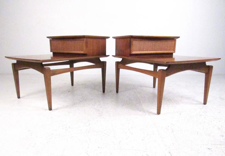 Pair of Two-Tier Floating Top End Tables by Lane Furniture For Sale ...