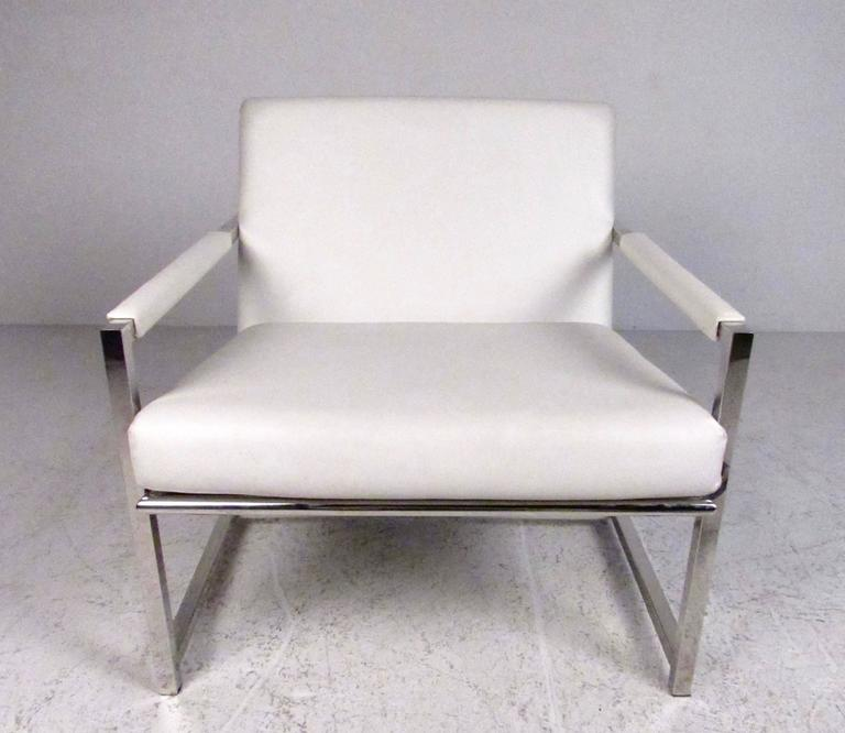 Pair of Stylish Modern Club Chairs 4