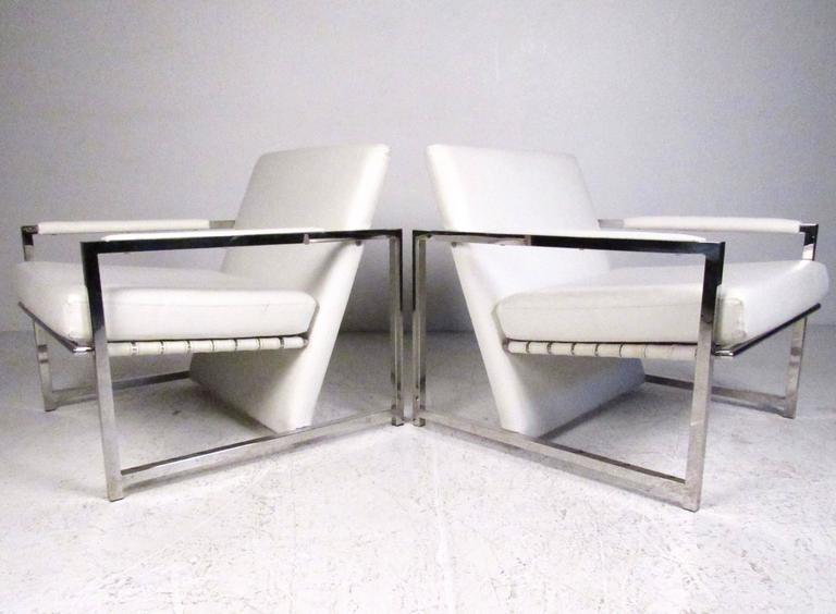 Pair of Stylish Modern Club Chairs 2