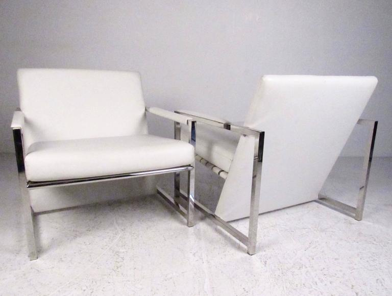 Pair of Stylish Modern Club Chairs 3
