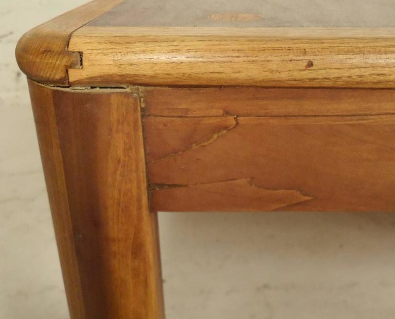 Rare Table by Lane with Inlay In Good Condition For Sale In Brooklyn, NY