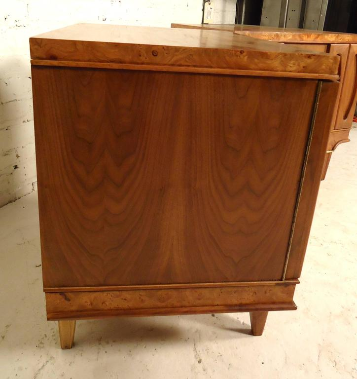 Pair of Mid-Century Modern Nightstands by American of Martinsville For Sale 2