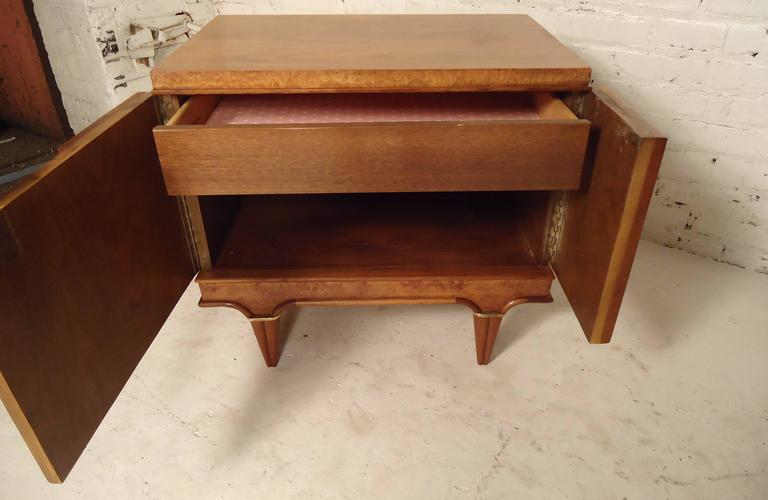 Pair of Mid-Century Modern Nightstands by American of Martinsville For Sale 5