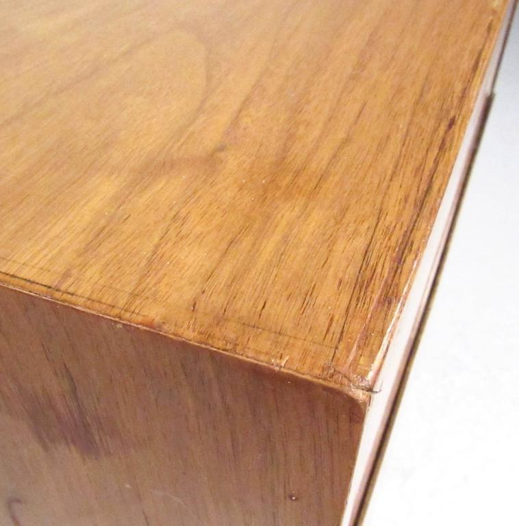 Pair of Mid-Century Nightstands by American of Martinsville For Sale 2