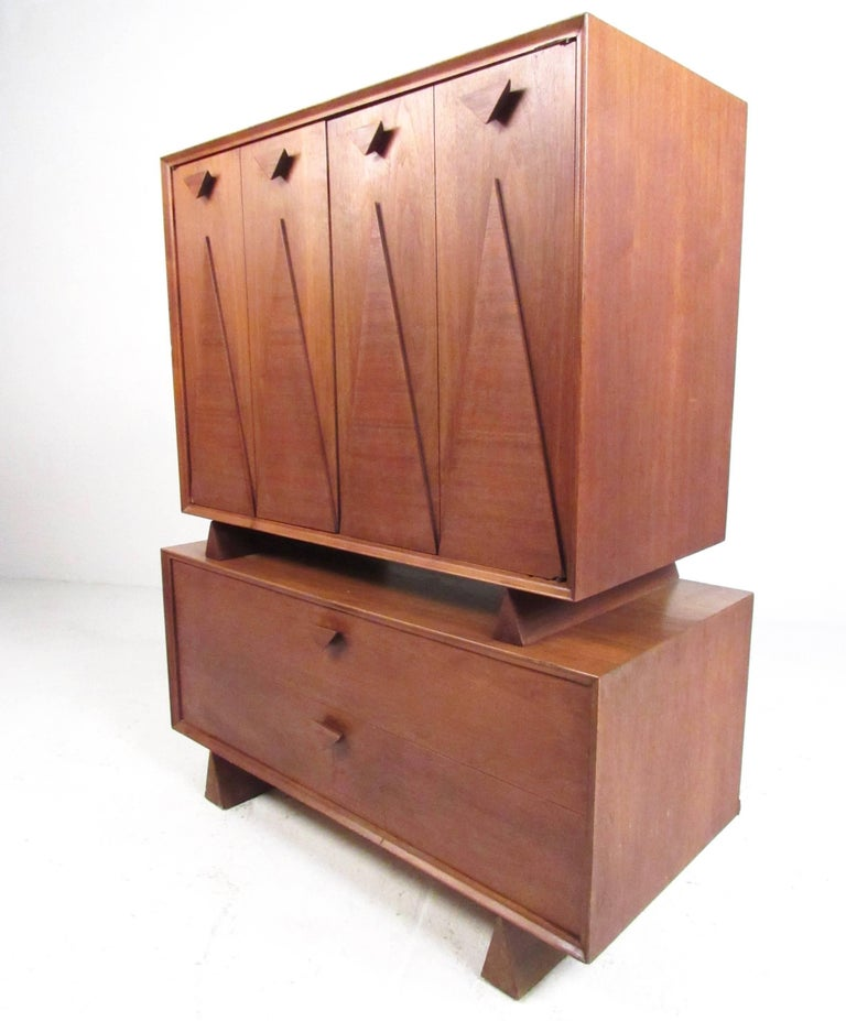 Mid-Century Modern Mid-Century Bedroom Suite in the Style of George Nakashima For Sale