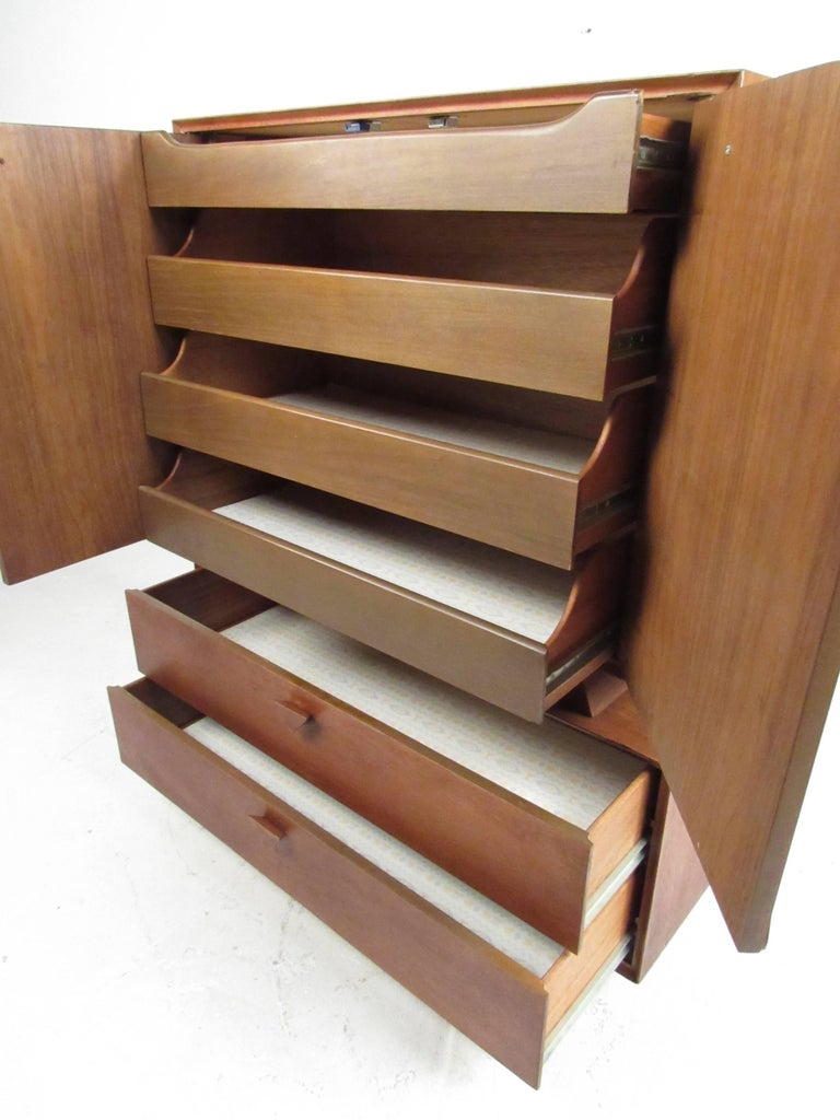 Vintage Modern Sculptural Walnut Bedroom Set For Sale At