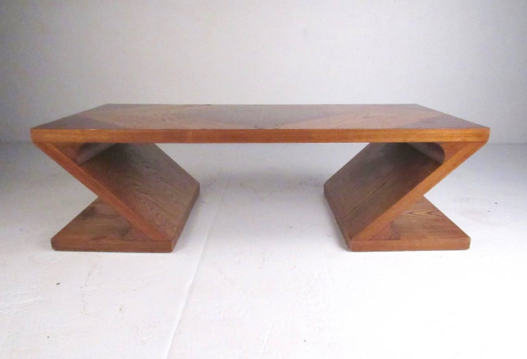 Modern Stylish Vintage Sculptural Coffee Table by Lane For Sale