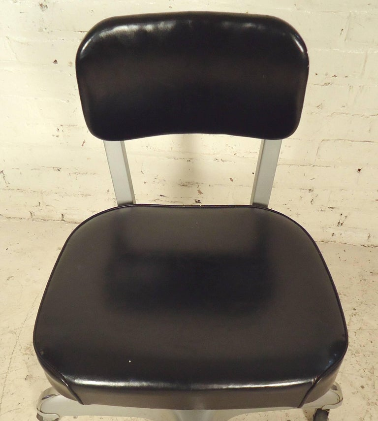Mid-Century Modern Desk Chair by Cole In Good Condition For Sale In Brooklyn, NY