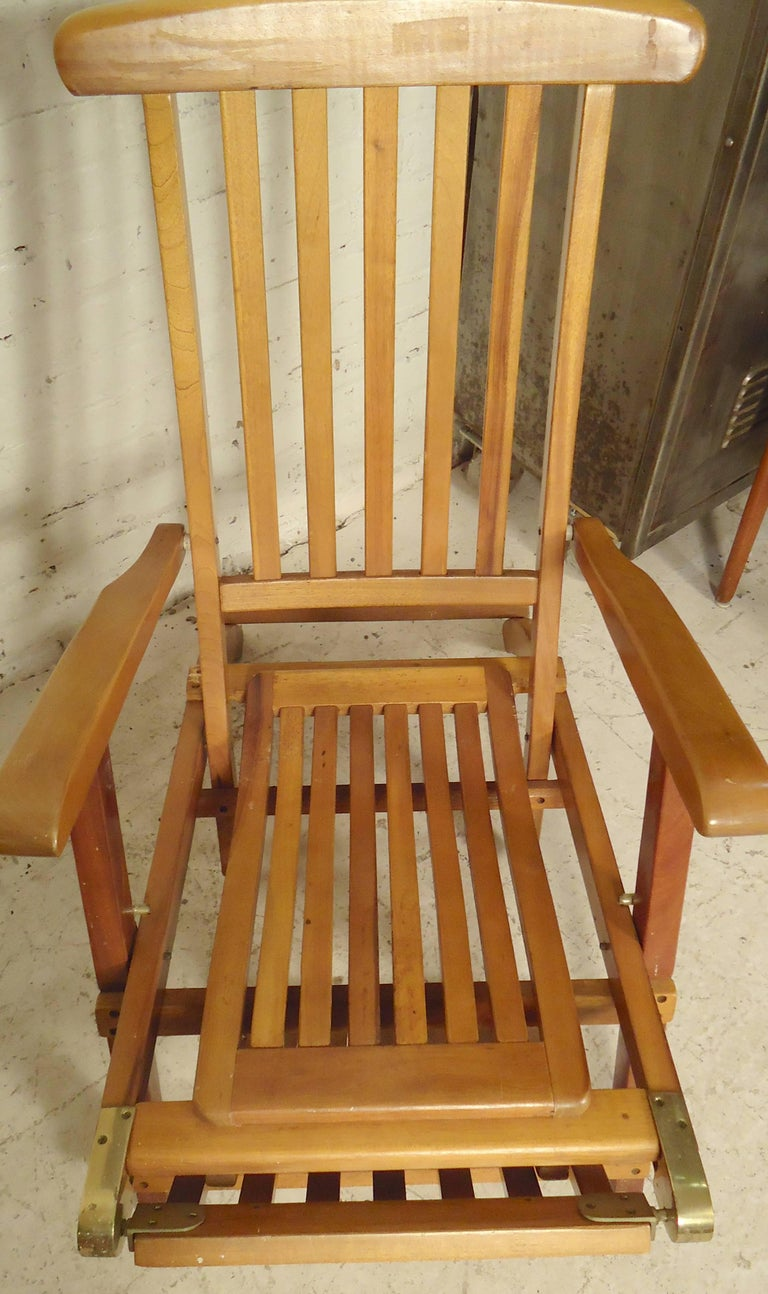 Folding Slat Deck Lounge Chairs In Good Condition For Sale In Brooklyn, NY