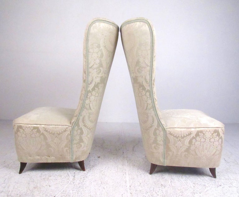 Mid-Century Modern Pair of Italian Modern Slipper Chairs in the Style of Paolo Buffa For Sale