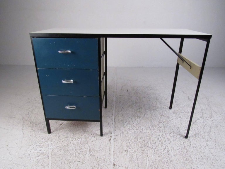 Mid-Century Modern George Nelson Desk for Herman Miller For Sale