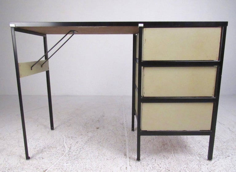 George Nelson Desk for Herman Miller In Good Condition For Sale In Brooklyn, NY