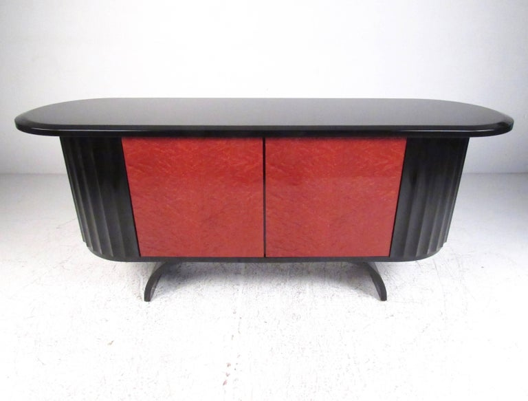 Modern Art Deco Lacquered Credenza In Good Condition For Sale In Brooklyn, NY