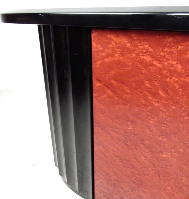 Modern Art Deco Lacquered Credenza For Sale 2