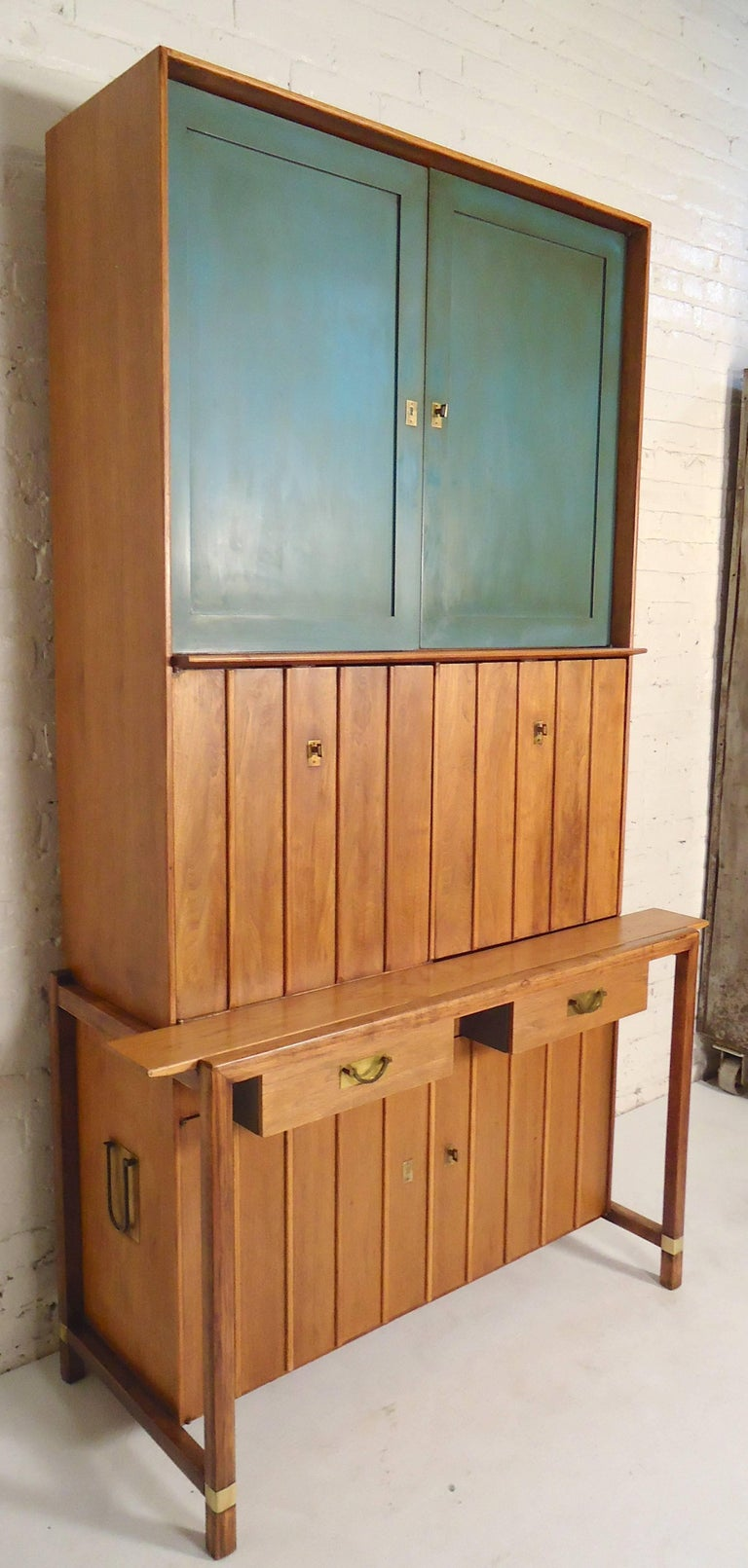 Mid Century Two Piece Hutch By Hickory For Sale At 1stdibs