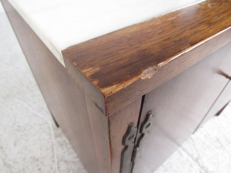 Vintage Modern Marble-Top End Table by Drexel For Sale 2