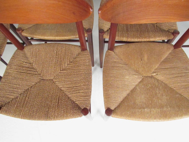Set of Six Peter Hvidt Dining Chairs in Teak and Rush In Good Condition For Sale In Brooklyn, NY