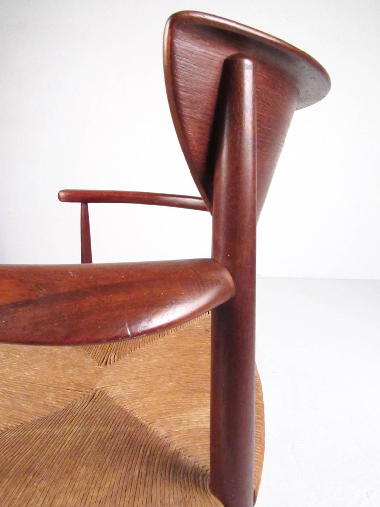 Set of Six Peter Hvidt Dining Chairs in Teak and Rush For Sale 1
