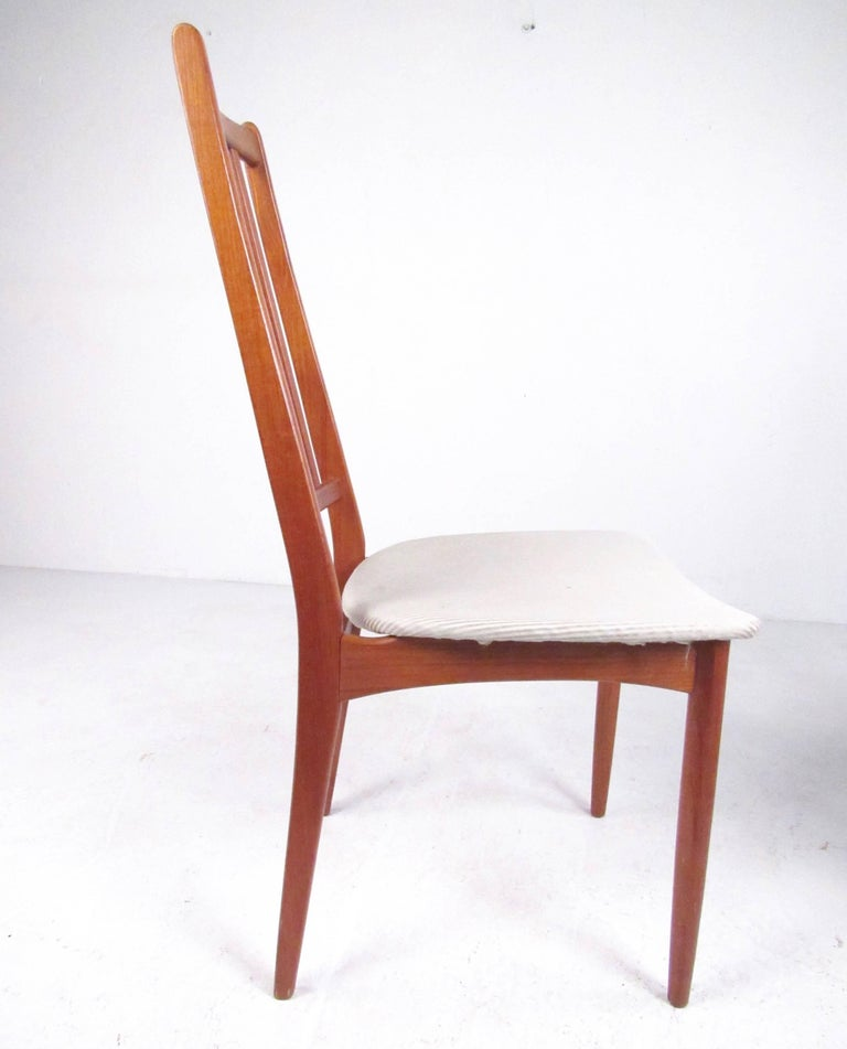 Set of Four High Back Teak Dining Chairs For Sale 4